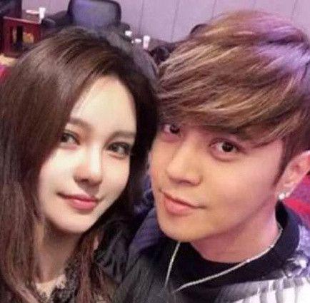 羅志祥跟女友周揚青好事將近。(合成圖/翻攝自微博)