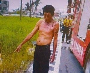 高雄,賣西瓜的陳保安縱火燒女友後,當場被警方逮捕。翻攝
