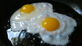 雞蛋、太陽蛋、半熟蛋、蛋黃、蛋白、營養、蛋(圖/Pixabay)