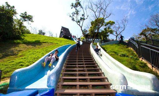 新竹旅遊,青青草原溜滑梯。(圖/雄獅旅遊提供)