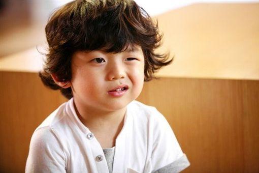 韓國表情包童星王錫賢(圖/翻攝自TVN YouTube頻道)