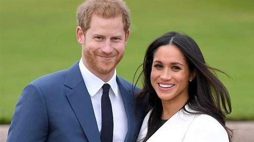 哈利王子(Prince Harry)與美國女星梅根馬克爾(Meghan Markle)_dailymail