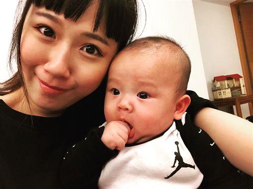 ▲方志友認為親餵母乳,對於消耗熱量有很大的幫助。(圖/翻攝自IG)