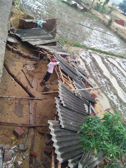 沙塵暴雷擊襲印度增至125死(圖/推特)