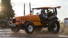 車訊網/世界最速農用耕耘車 V8引擎植入最大500hp