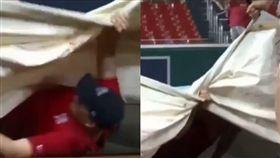 職棒人員遭遮雨帆布吞噬 同事冷眼觀 棒球,MLB,華盛頓國民,費城費城人,因雨延賽,遮雨帆布,冷血 https://imgur.com/gallery/4yLHPGz