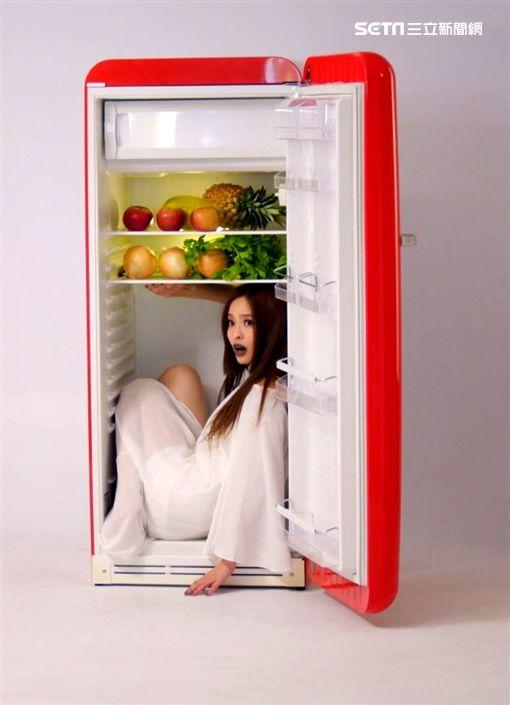 週日偶像劇《三明治女孩的逆襲》葉星辰搞怪冰箱 網友投票造型最神似小嫻