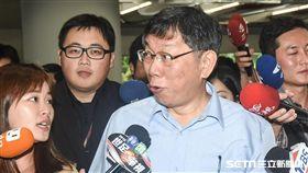 台北市長柯文哲出席市議會專案報告。 (圖/記者林敬旻攝)