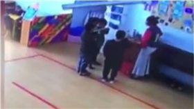 恐怖幼稚園!男童課堂聊天竟被逼「喝滾水」 家長氣炸報警 圖/翻攝自荔視頻
