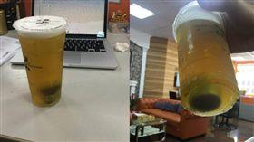 網友買飲料發現被「加料」笑翻。(圖/翻攝爆怨公社)