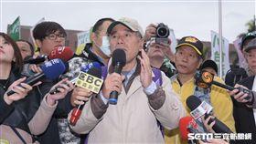 蔡丁貴率180人等前往中正紀念堂,228,台灣獨立 圖/記者林敬旻攝