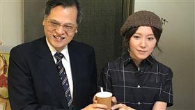 來台10年 港正妹:台灣讓我有選擇很幸福陸委會最新台港交流影片主角蔣雅文(右)來台創業10年。她表示在台灣可以更加暢所欲言、自由自在做自己。創業雖然辛苦,但可以選擇生活的方式,很幸福。中央社記者繆宗翰攝 107年5月9日