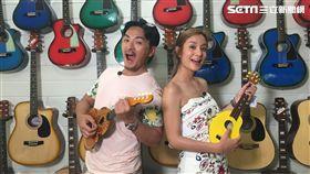夢多與莎莎再宿霧吉他工廠玩烏克麗麗玩瘋了。(圖/TVBS提供)