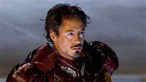 「鋼鐵人」小勞勃道尼穿過的裝甲失竊。(合成圖/翻攝自IMDB)