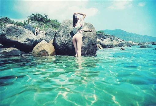 「點點」連晃8秒…火辣小模直播走光 緊急中斷仍被截圖圖/翻攝自IGhttps://www.instagram.com/angelaorbu/