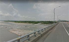 台中市大甲溪下游區域的后豐大橋 https://www.google.com.tw/maps