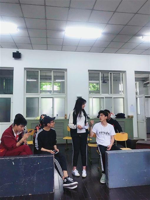 孫沁岳,北京中央戲劇學院,進修,演員