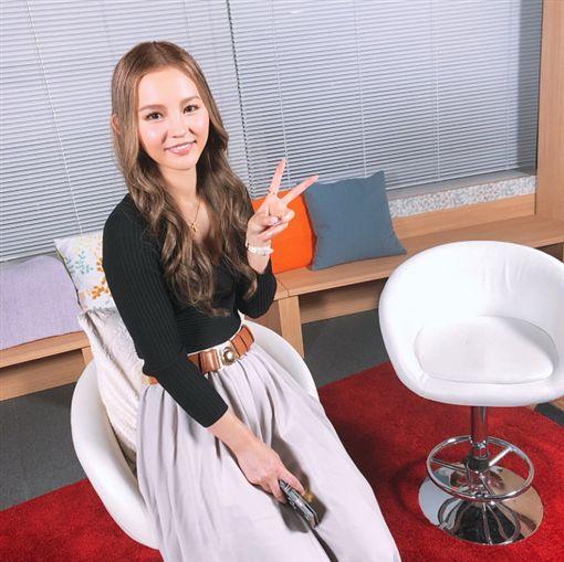 前AV女優丘咲愛米莉(圖/翻攝推特)