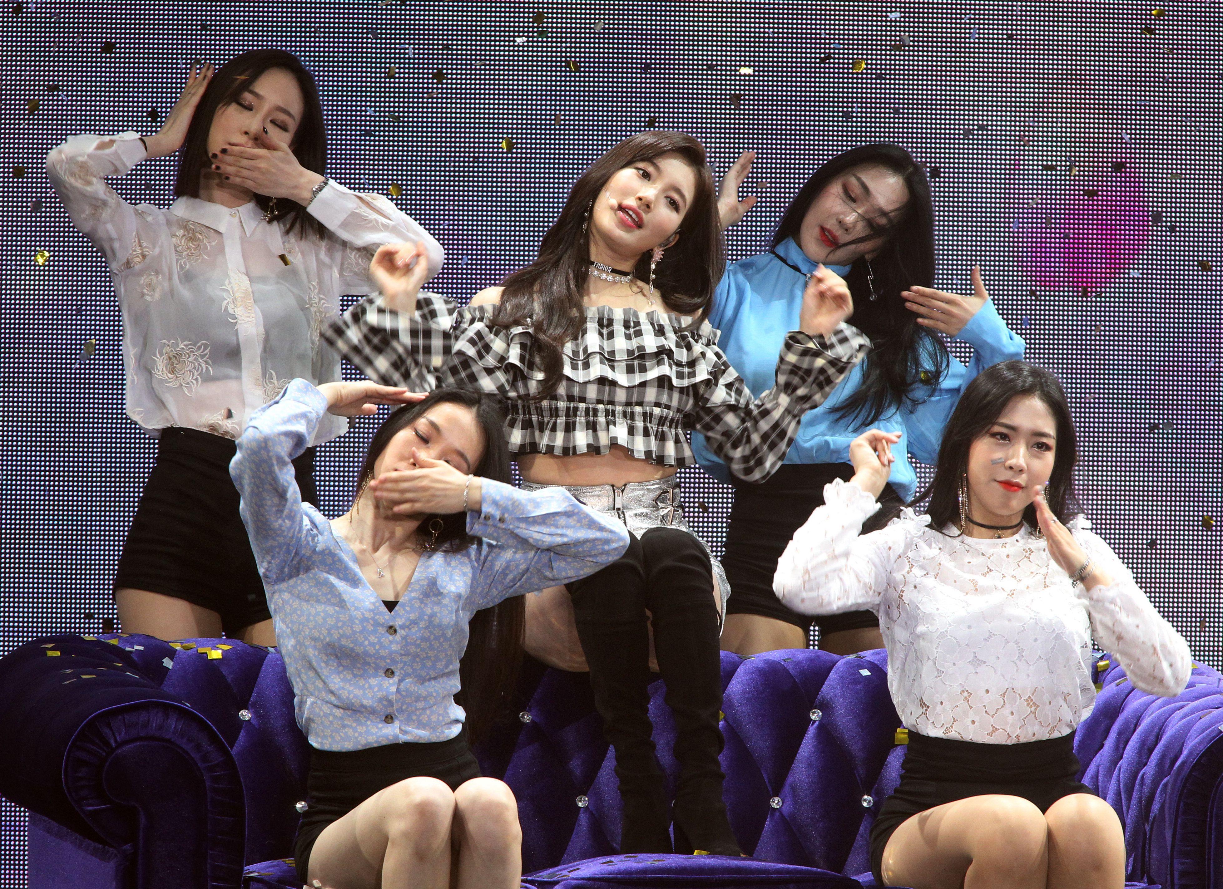 國民初戀裴秀智巡迴見面會台北首站,現場載歌載舞跟粉絲互動。(記者邱榮吉/攝影)