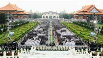 慈濟浴佛大典 總統蔡英文同台馬英九,柯文哲 慈濟提供