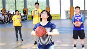 ▲三對三籃球夢想舞台「國泰NBA 3x」媽媽投籃大賽。(圖/主辦單位提供)