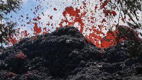 夏威夷國家公園內的奇勞亞(Kilauea)火山噴發(圖/翻攝自推特)