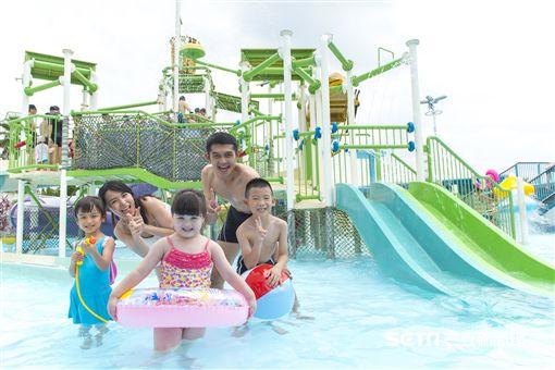 六福村水樂園。(圖/六福村提供)