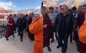 李連杰現身西藏,圖/翻攝自微博