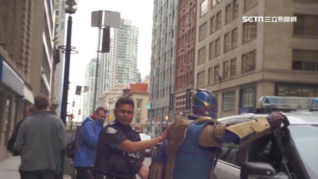 薩諾斯被捕!加國警幫超級英雄報仇