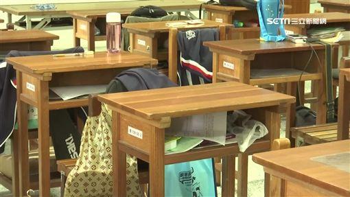 教室當考場 學生控物品遭垃圾袋打包丟地(台中,垃圾,考場,淨空,學生,私人物品,教室)