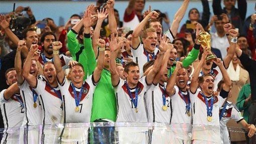 德國球風剛硬威猛,屬進攻導向球隊,且從2002年日韓世界盃至上屆巴西世界盃,連續4屆闖進4強。圖片來源:美聯社