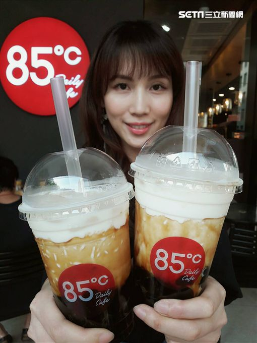 85度C黑糖珍珠鮮奶。(圖/85度C提供)
