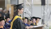 台灣來的葉采衢畢業致詞 創柏克萊大學150年紀錄 翻攝自陽明大學網站