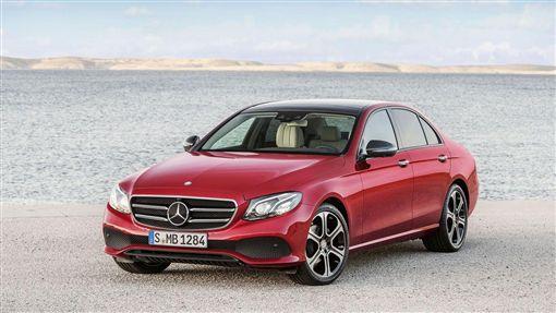 透過「Agility星自選 購車優惠方案」,讓入主智能鉅作E-Class不再遙不可及。(圖/Mercedes-Benz提供)