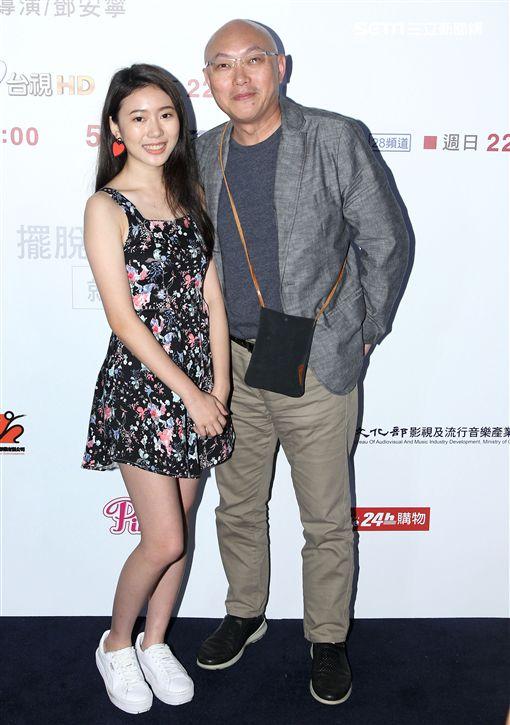 「前男友不是人」導演鄧安寧與女兒演員雨晨。(記者邱榮吉/攝影)