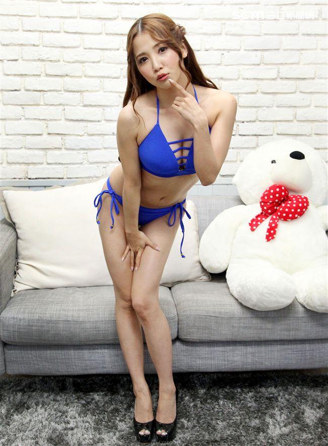 擁有34E波霸日本AV女優友田彩也香,減肥有成再次來台為成人展做準備。(記者邱榮吉/攝影)