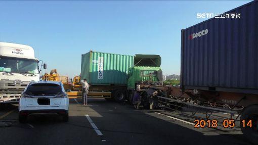 國道閃急切貨車! 聯結駕駛失控撞4車毀