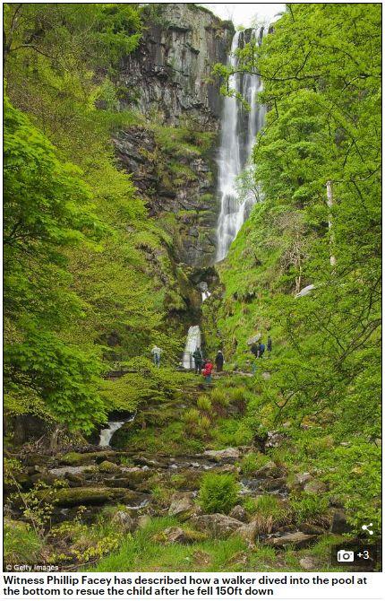 3歲童和阿姨遊瀑布,兩人失足摔落結果竟毫髮無傷。(圖/翻攝Daily Mail)