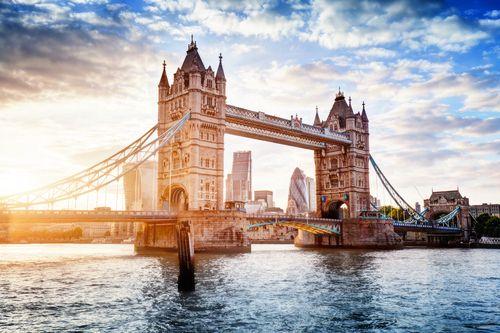 歐洲精選行程 享受花季宮殿異國美食業配普羅旺斯,薰衣草,凡爾賽宮,羅浮宮,白金漢宮,大英博物館,米其林