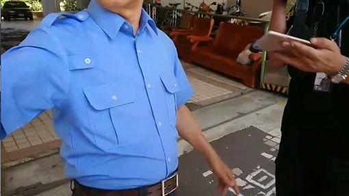 國軍漢光演習,秦姓上兵跳傘意外,住家大樓保全(圖/翻攝畫面)