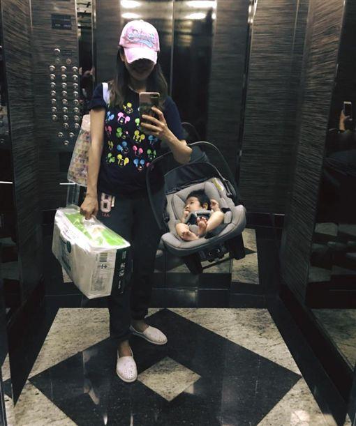 ▲楊千霈自詡為「神力娃寶媽」。(圖/翻攝自臉書)