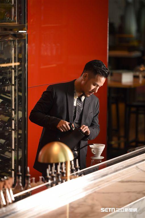 下午茶,王策,手沖咖啡。(圖/台北W飯店提供)