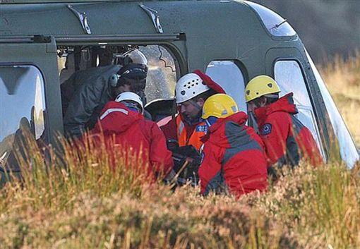 ▲跳傘意外墜機。圖/翻攝自《每日郵報》