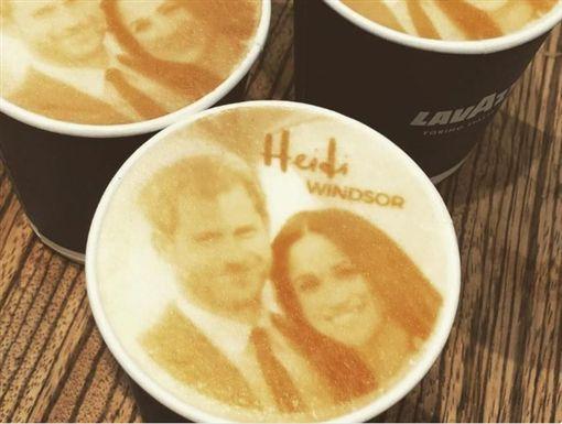 英國哈利王子與美國女星梅根馬克爾(Meghan Markle)19日將舉辦王室婚禮,有業者看準商機賺一波「皇室財」,推出「梅根哈利奇諾」、皇家蛋糕,成功讓業績大幅上升。(圖/翻攝自推特detikcom)