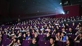 ▲試映會當天,有陰陽眼的觀眾說現場擠滿好兄弟。(圖/影市堂股份有限公司提供)
