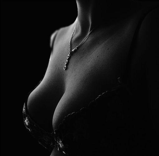 乳溝,裸照,情色,不雅照,(圖/翻攝pixabay)