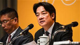 行政院長賴清德召開「 新經濟移民法規劃重點記者會」。 (圖/記者林敬旻攝)