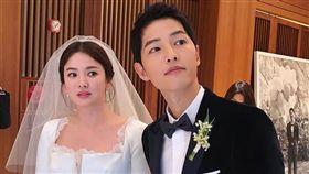 去年10月底雙宋甜蜜舉行世紀婚禮。(圖/翻攝自IG)