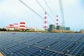 台電 興達電廠 太陽能發電 翻攝自台電月刊網站