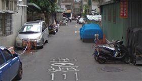 一隻白色土狗在這條巷子被撞死,司機被認定肇事逃逸。(圖/翻攝Google Map)